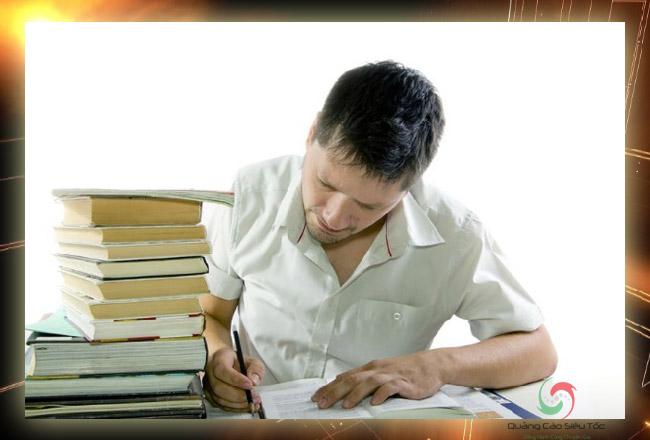 Lệ phí dịch thuật công chứng cần phù hợp với thu nhập tối thiểu của dịch giả