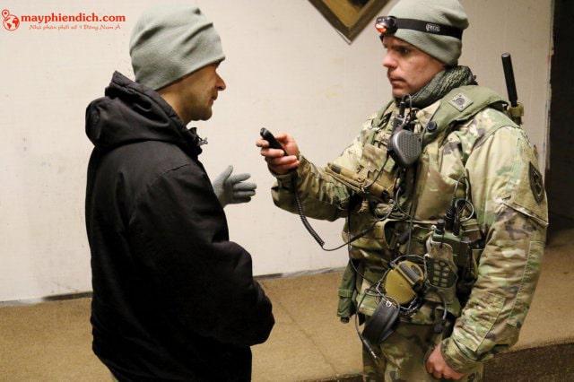 Máy thông dịch được sử dụng trong cứu hộ